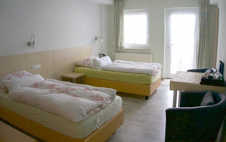 doppelzimmer-zwei-betten-hechingen